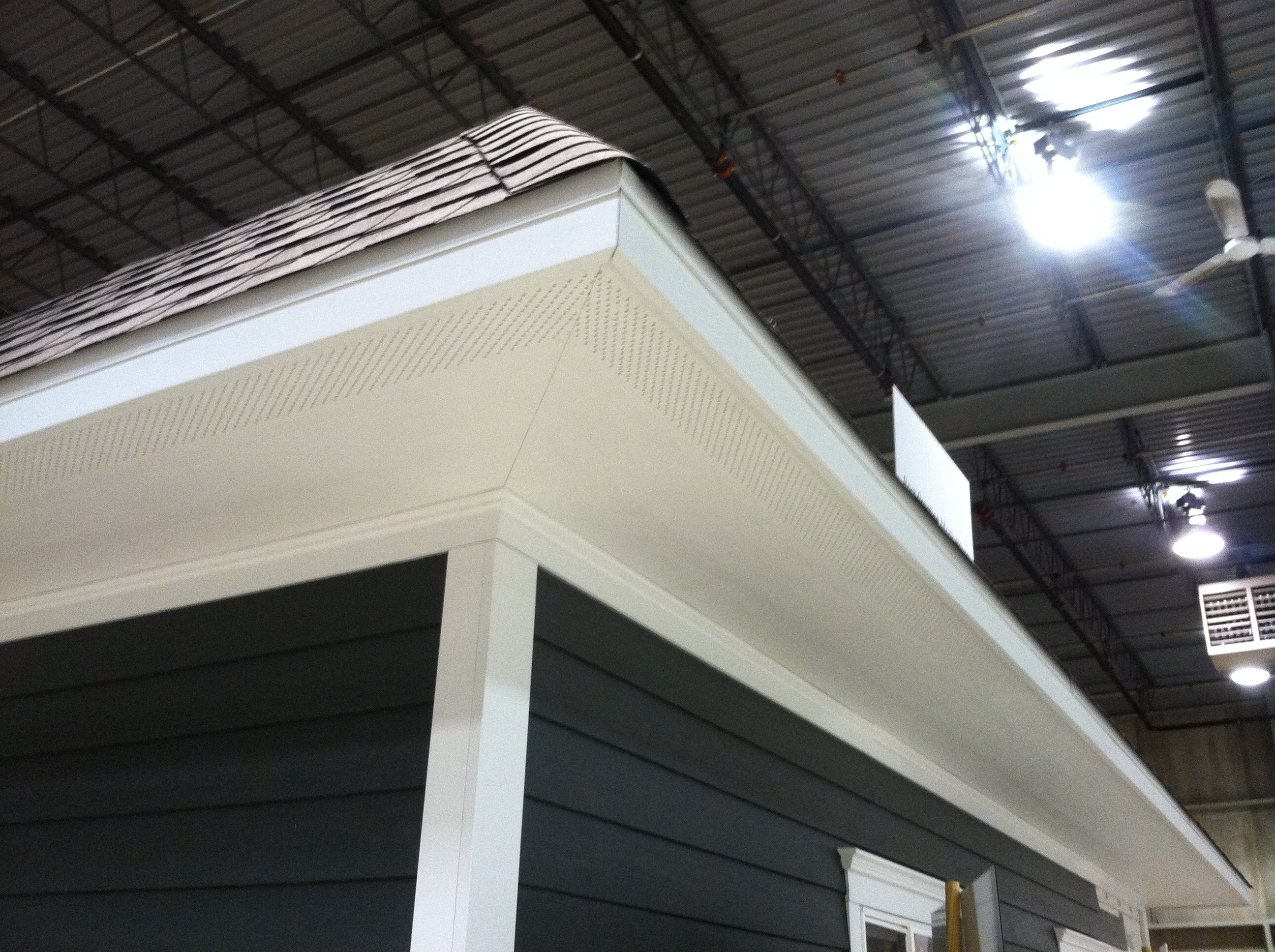 Proper air flow on the soffits